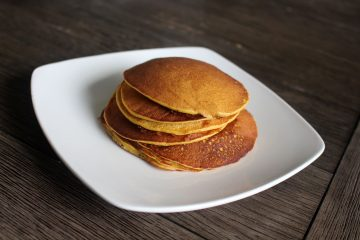 4 Ingredient Pumpkin Banana Pancakes